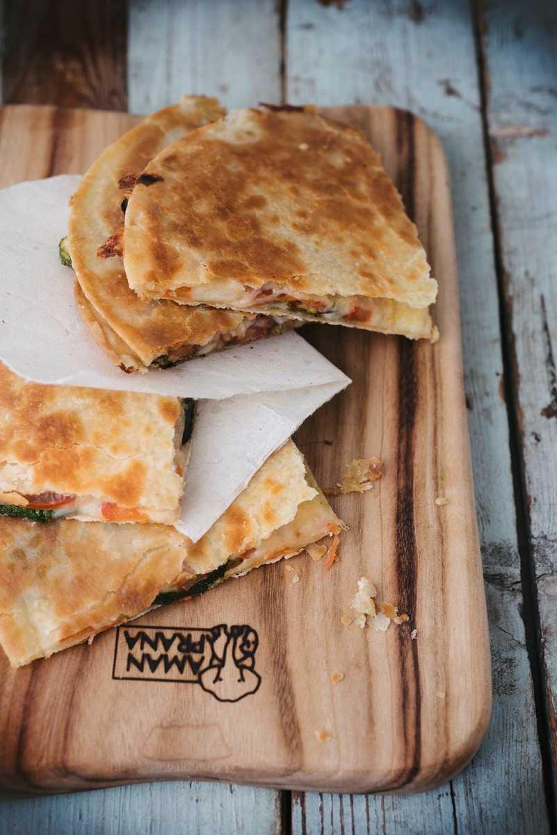 Qi-board houten snijplank met brood
