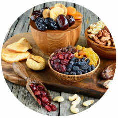 kommetjes met gedroogd fruit