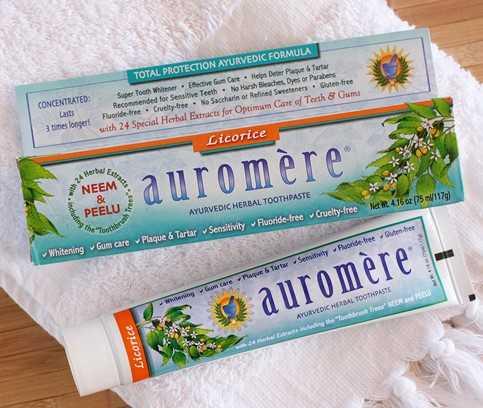 Auromère Zahnpasten sind natürliche Zahnpasten auf Basis von Kräutern und Essenzen